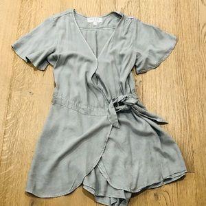 Cloth & Stone Gray Romper